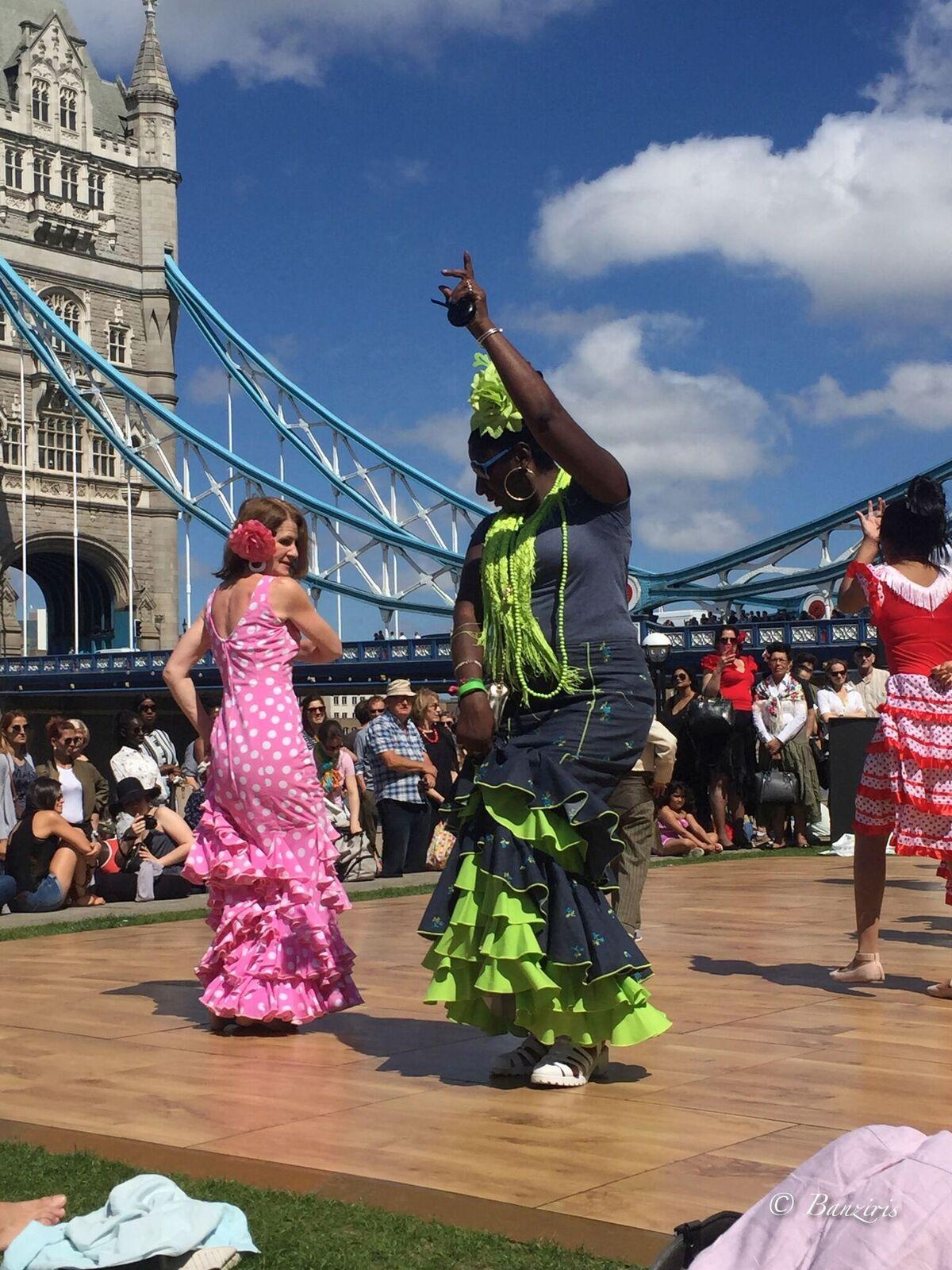 Flamenco dancers outside Feria de Londres